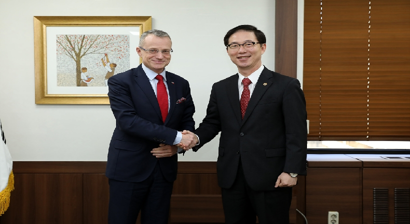 Vice Unification Minister Chun meets with Polish Deputy Foreign Minister Marek Magierowski