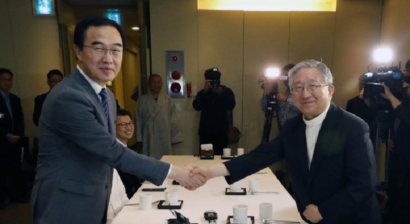 Unification Minister Cho has a meeting with religious leaders