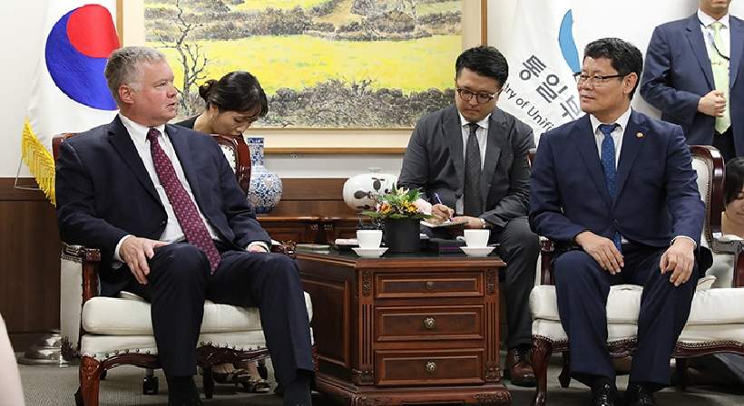 Unification Minister Kim meets with U.S. Special Representative for North Korea Stephen Biegun