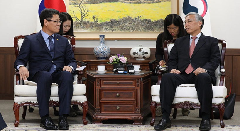 Unification Minister Kim meets with Chinese Ambassador to South Korea Qiu Guohong