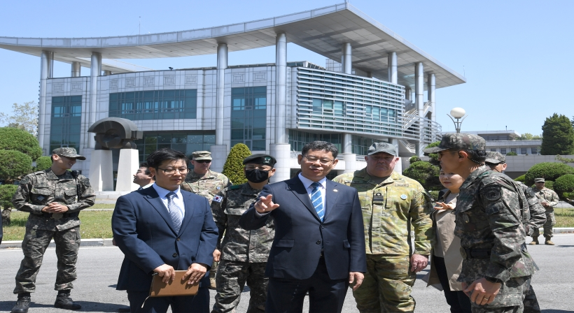 Unification Minister Kim comprehensively reviews the possibility of resuming visits to Panmunjeom and creating a cultural space for peaceful unification